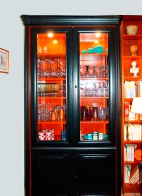vitrine-noir-et--orange-bd